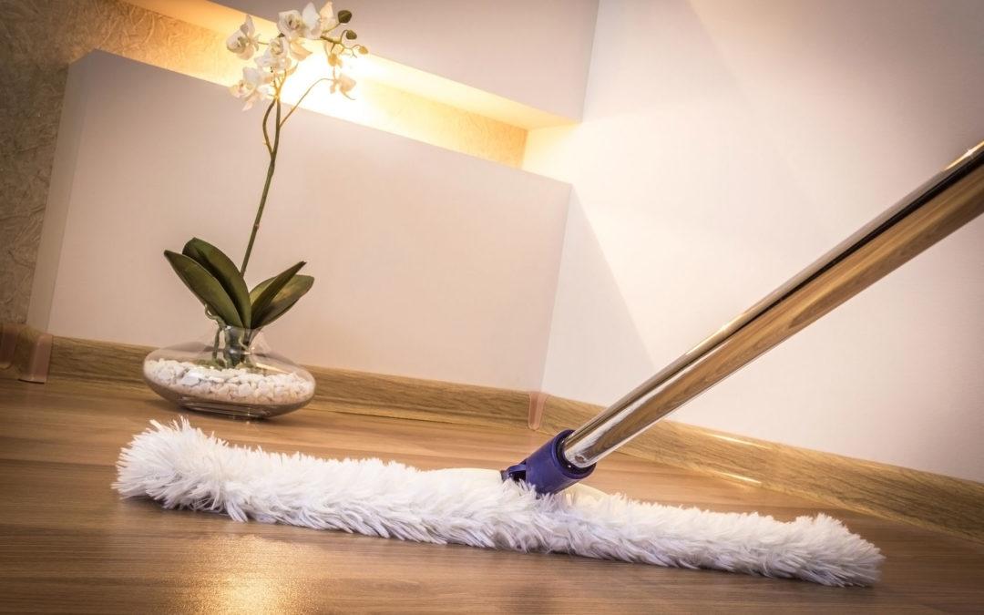Mantener el suelo de tu casa brillante: trucos caseros y sencillos